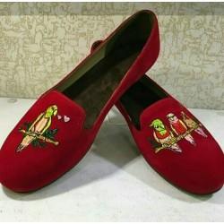 کفش بزرگ پای زنانه